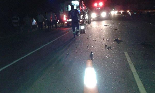 Homens feridos após queda de moto na BR 356 em SJB