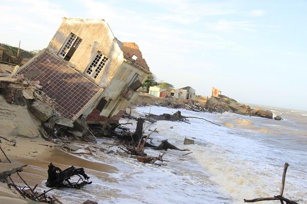 Contenção do mar em Atafona é viável - Parahybano