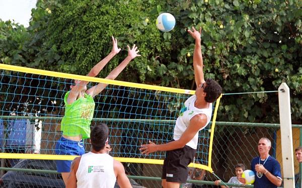 Copa Verão de Vôlei de Praia neste domingo no Balneário de Atafona