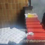 Três presos com seis tabletes de maconha em Campos
