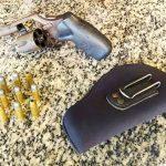 PM prende homem com revólver e munições dentro de carro na BR 356, em SJB