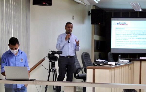 Câmara de SJB realiza capacitação interna sobre LDO