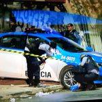 PMs são mortos dentro de viatura e armas são roubadas no RJ