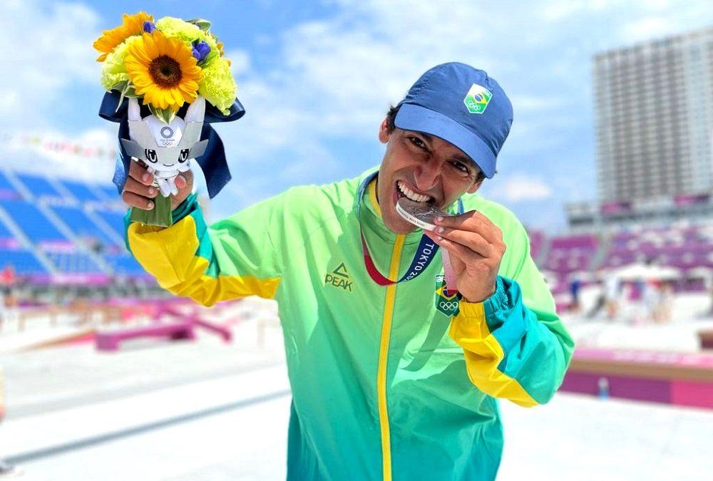 Prata de Kelvin Hoefler é a primeira medalha brasileira em Tóquio