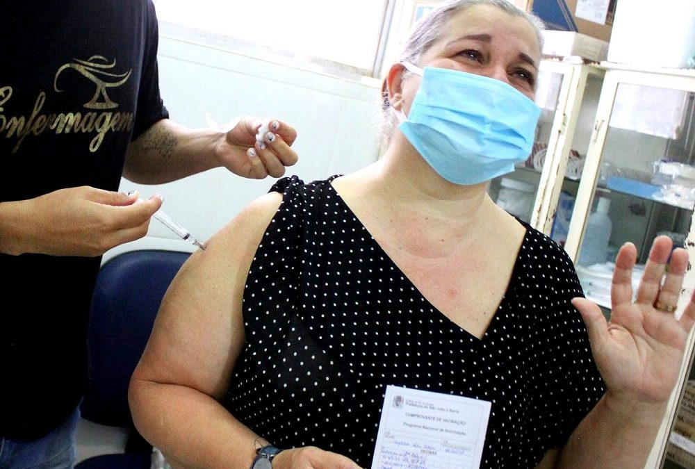 Covid-19: 70 milhões já receberam duas doses ou dose única da vacina