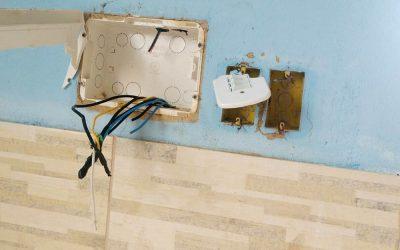 Casa é invadida e fios elétricos são furtados em SJB