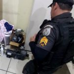 Mulher é presa após invadir casa de bombeiro em SJB