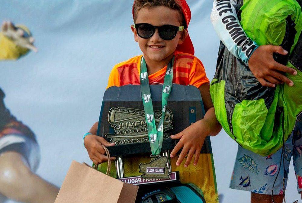 Kitesurfista sanjoanense de 5 anos é vice-campeão no Ceará