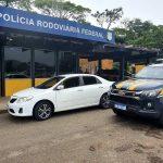 Carro roubado é apreendido pela PRF na BR 101 em Campos