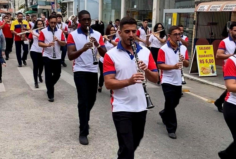Banda União dos Operários completa 129 anos com desfile em SJB